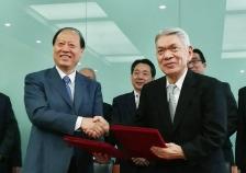 中国楽器協会と「ピアノ調律事業協力に関する基本合意」を締結<br />中国における調律技術基準や資格認定制度を策定・標準化し、共同で調律事業を展開