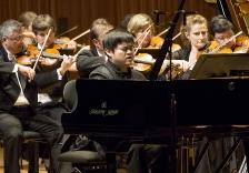 第11回シドニー国際ピアノコンクールで、カワイフルコンサートピアノSK-EXを弾いた モイェ・チェンさんが第3位入賞