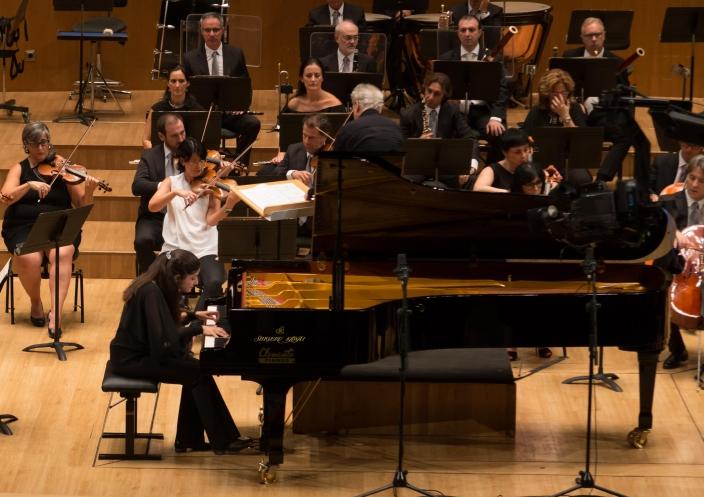 第2 0回 ホセ・イトゥルビ国際ピアノコンクールで<br />『SK-EX』を使用した ピアニスト ファティマ・ズーソヴァさん優勝