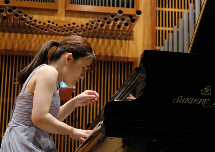 第11回パデレフスキ国際ピアノコンクールで</br>カワイフルコンサートピアノ「SK-EX」を弾いた古海行子さんが第3位入賞