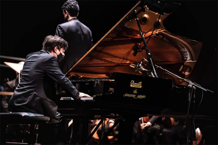 第21回 ホセ・イトゥルビ国際ピアノコンクールで『SK-EX』を使用した<br /> ピアニスト アレクセイ・シチェフさんが最高位を受賞